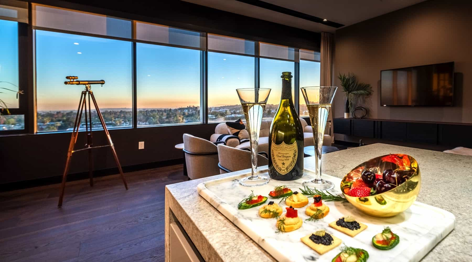 Penthouse_6_Living_Appetizers