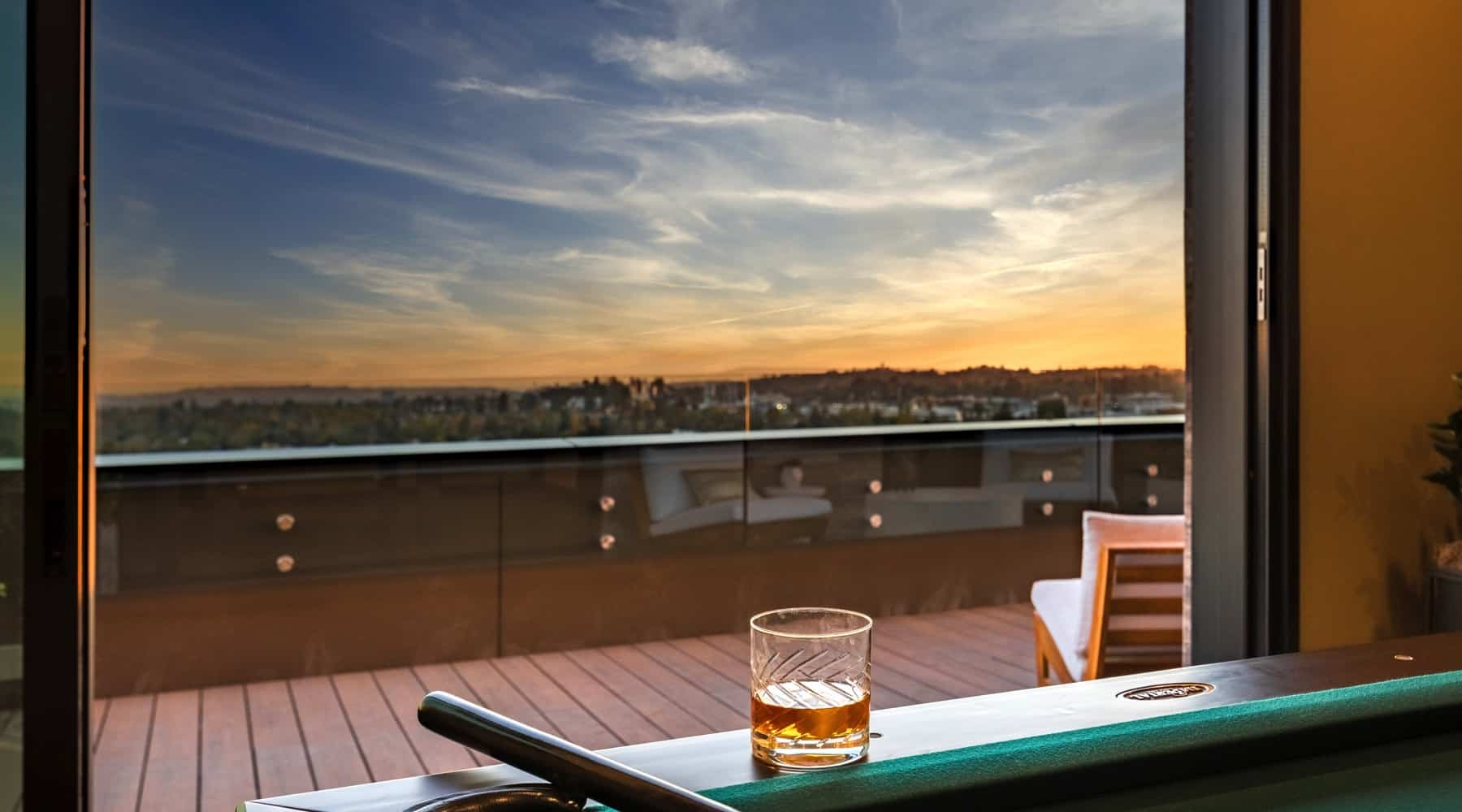 Penthouse_6_Drink_View